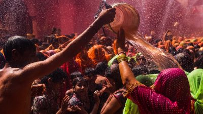 Vinson-Images-Street-photography-india-Holi-fetsival-colors-fujifilm-68